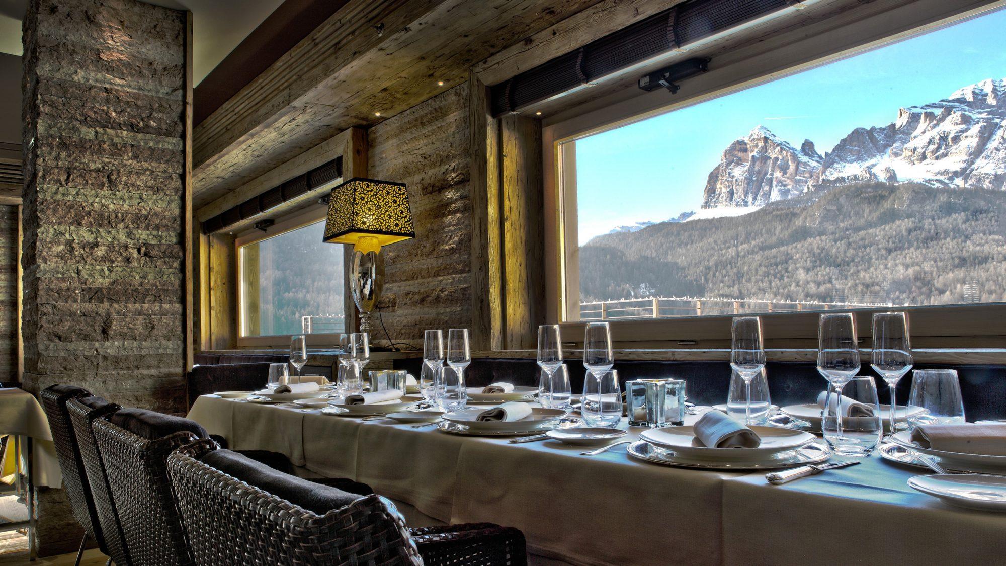 Corte Delle Dolomiti Spa cena a 10 mani chic al rosapetra spa resort di cortina