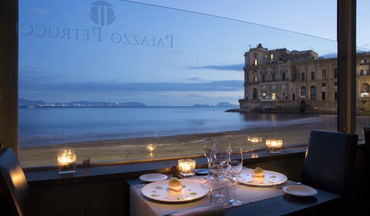 Cena CHIC 8 Mani sulla spiaggia di Posillipo - Charming Italian Chef